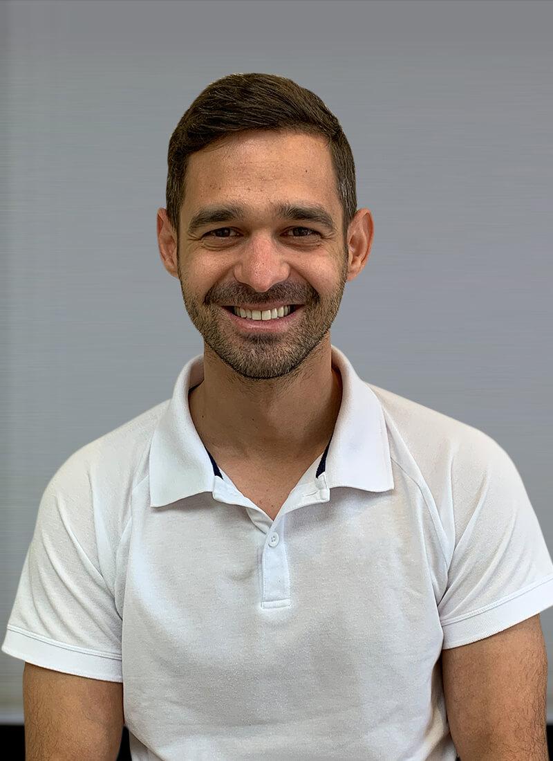 Dr. Balázs Balatonyi - Facharzt für Zahn, Mund und Kieferheilkunde